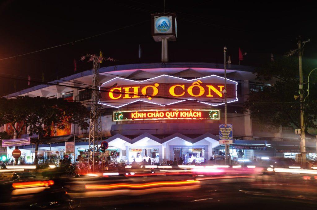 Bảng hiệu hộp đèn giá rẻ Đà Nẵng phải có một sự khác biệt