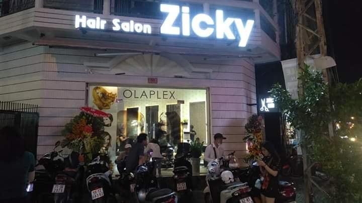 Bảng hiệu quảng cáo tiệm cắt tóc tại HCM